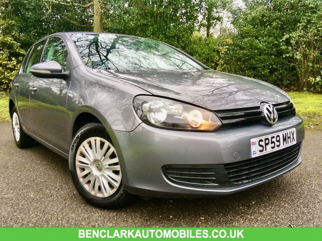 2009 59 VOLKSWAGEN GOLF 1.4 S 5d 79 BHP 1 PRIVATE OWNER/ X10 VW SERVICING STAMPS/11 AIRBAGS/CAMBELT AND WATERPUMP JUST RENEWED