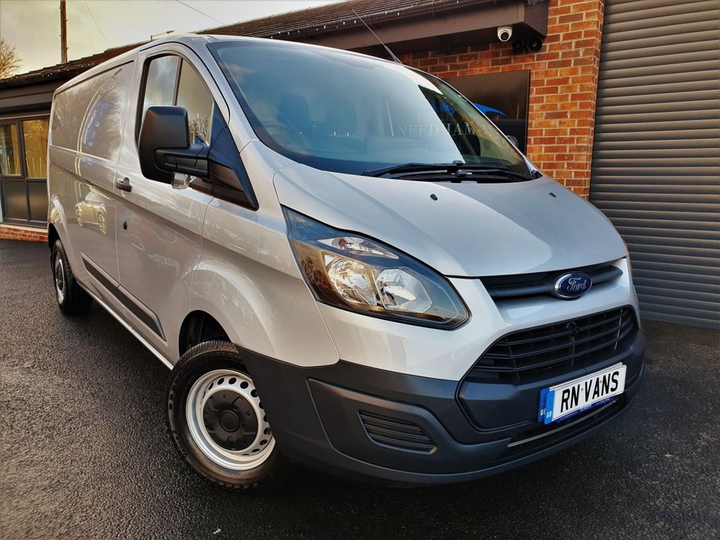 USED 2017 67 FORD TRANSIT CUSTOM 2.0 290 L2 H1 P/V 104 BHP * A/C - SILVER - READY TO GO *