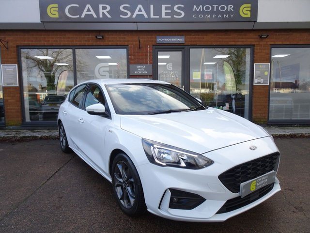 USED 2019 68 FORD FOCUS 1.0 ST-LINE 5d 123 BHP ONE OWNER, LOW MILEAGE ONLY 14K, APPLE CAR PLAY, BLUETOOTH, ALLOYS, FULL SERVICE HISTORY JUST SERVICED AT 14K MILES, HPI CLEAR 2 REMOTE KEYS
