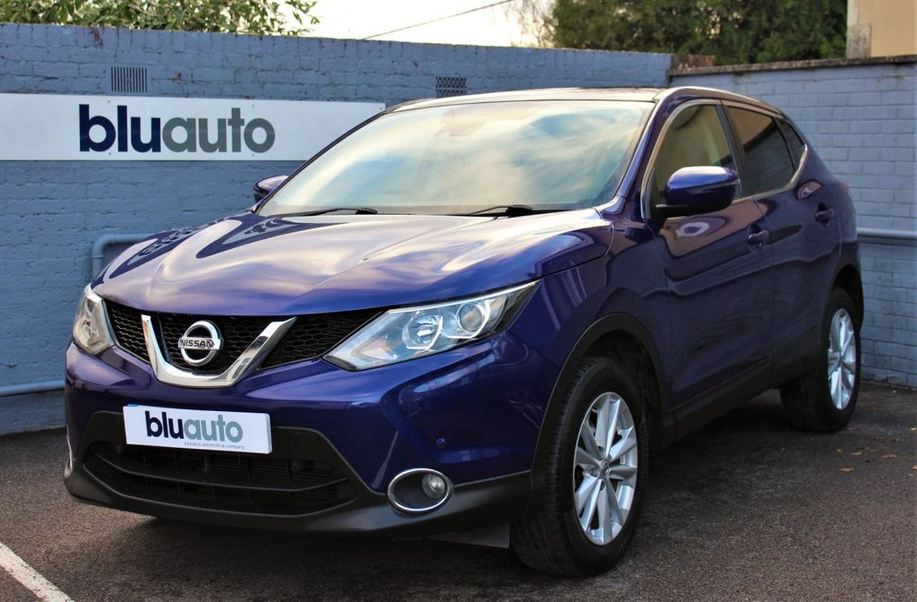 USED 2014 64 NISSAN QASHQAI 1.2 ACENTA PREMIUM DIG-T 5d 113 BHP 2 Owners, Full Service History, Panoramic Roof, Reversing Camera with Front & Rear Sensors