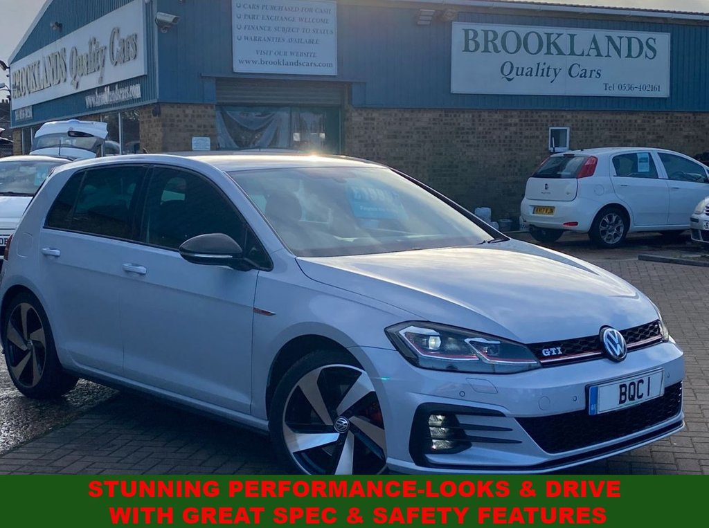 USED 2017 67 VOLKSWAGEN GOLF 2.0 GTI TSI DSG 5 DOOR SILVER WHITE MET.  31000 MILES FULL VWSH 227 BHP STUNNING PERFORMANCE-LOOKS 7 DRIVE WITH GREAT SPEC & SAFETY FEATURES