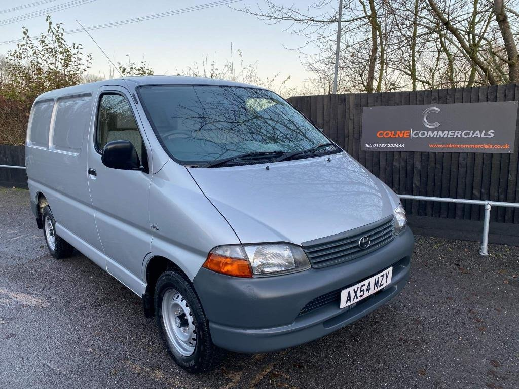 USED 2004 54 TOYOTA HI-ACE 2.5 D-4D 280 GS 4dr *GREAT CONDITION**LOW MILEAGE*