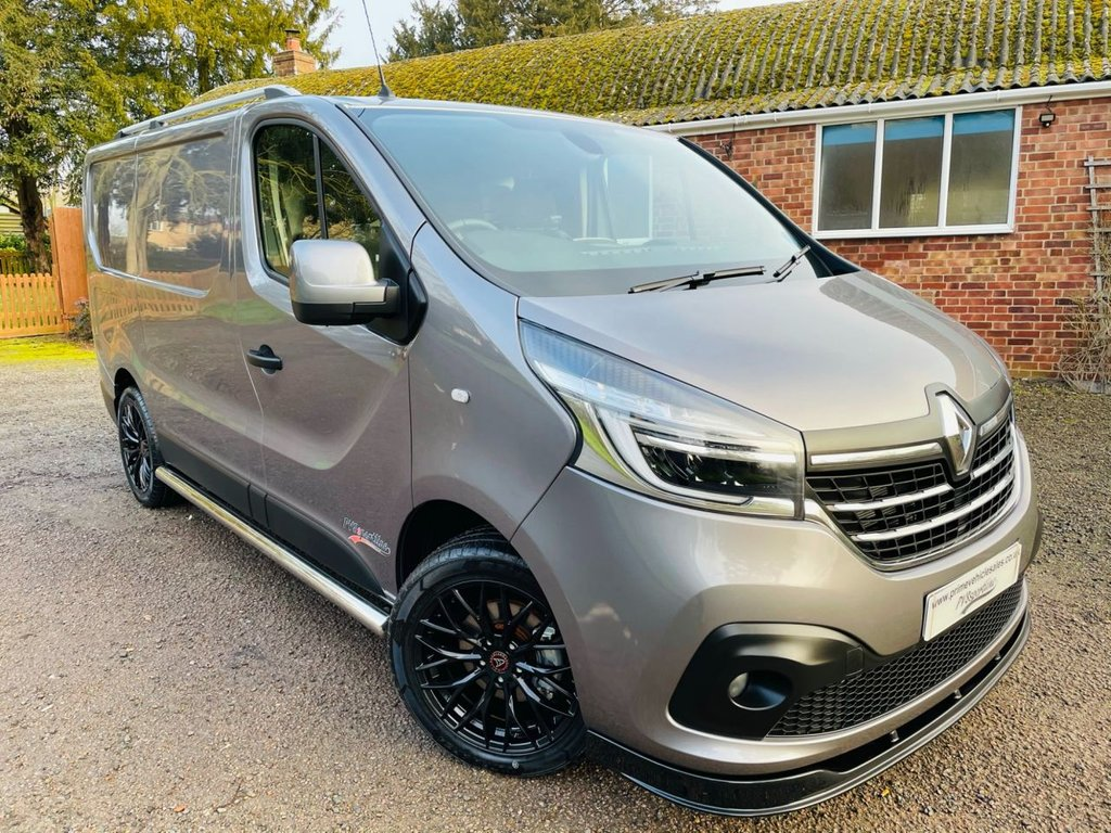 USED 2019 69 RENAULT TRAFIC 2.0 dci Energy 120 SL28 Sport PVSsportline *Choice Of 2*