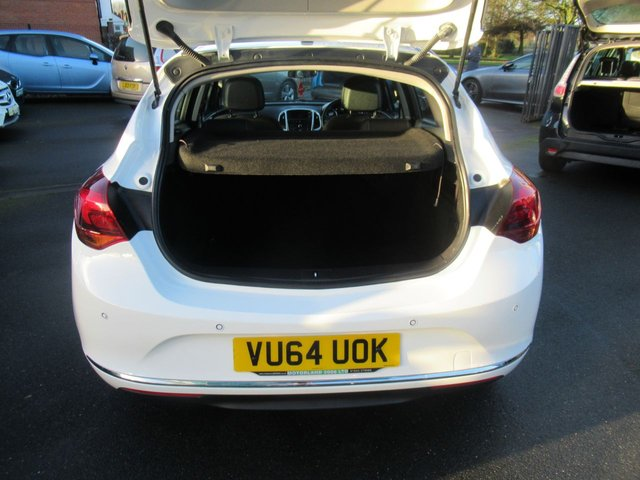 USED 2014 64 VAUXHALL ASTRA 1.4 SRI 5d 98 BHP **BUY NOW PAY NEXT YEAR**
