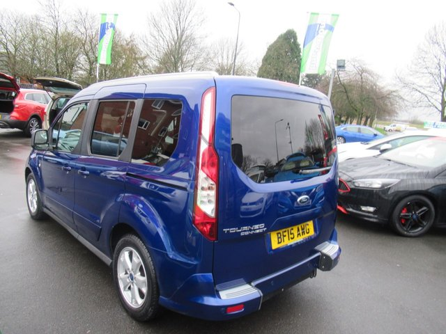 USED 2015 15 FORD TOURNEO CONNECT 1.6 TITANIUM TDCI 5d 94 BHP ***VERY LOW MILEAGE***
