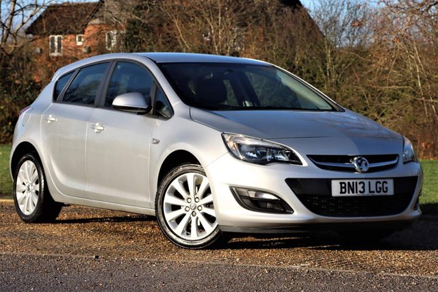 USED 2013 13 VAUXHALL ASTRA 1.6 16v Exclusiv 5dr FULL SERVICE+CHEAP TO RUN