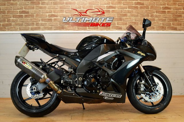 USED 2010 10 KAWASAKI ZX-10R  - FREE NATIONWIDE DELIVERY