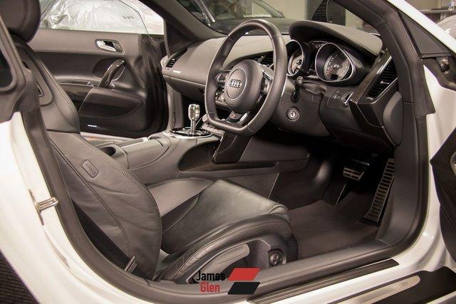 USED 2014 64 AUDI R8 4.2 V8 QUATTRO 2d 424 BHP Low Mileage | Audi Warranty until August 2021
