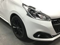 USED 2017 67 PEUGEOT 208 1.2 PURETECH BLACK EDITION 3d 85 BHP (ULTRA LOW MILEAGE)