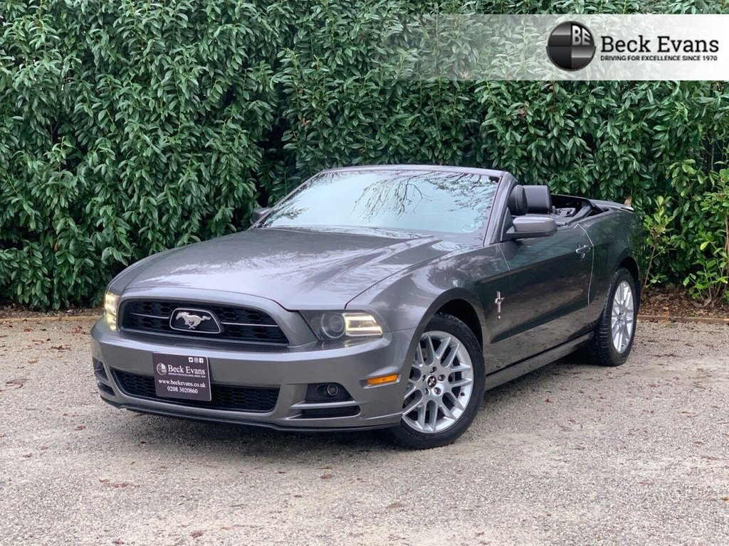 USED 2014 63 FORD MUSTANG 3.7 V6 305 BHP AUTO LHD