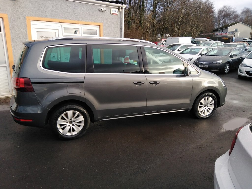 """USED 2016 16 VOLKSWAGEN SHARAN 2.0 SE TDI BLUEMOTION TECHNOLOGY 5d 148 BHP 16"""" Alloys, Cd player, Front and Rear parking Sensors, Park pilot, Bluetooth, 7 Service Stamps"""