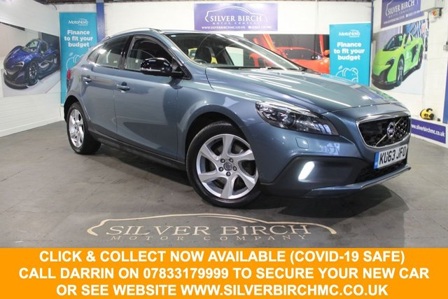 USED 2014 63 VOLVO V40 2.0 D3 CROSS COUNTRY LUX NAV 5d 148 BHP Huge Spec £4240 of  Extras