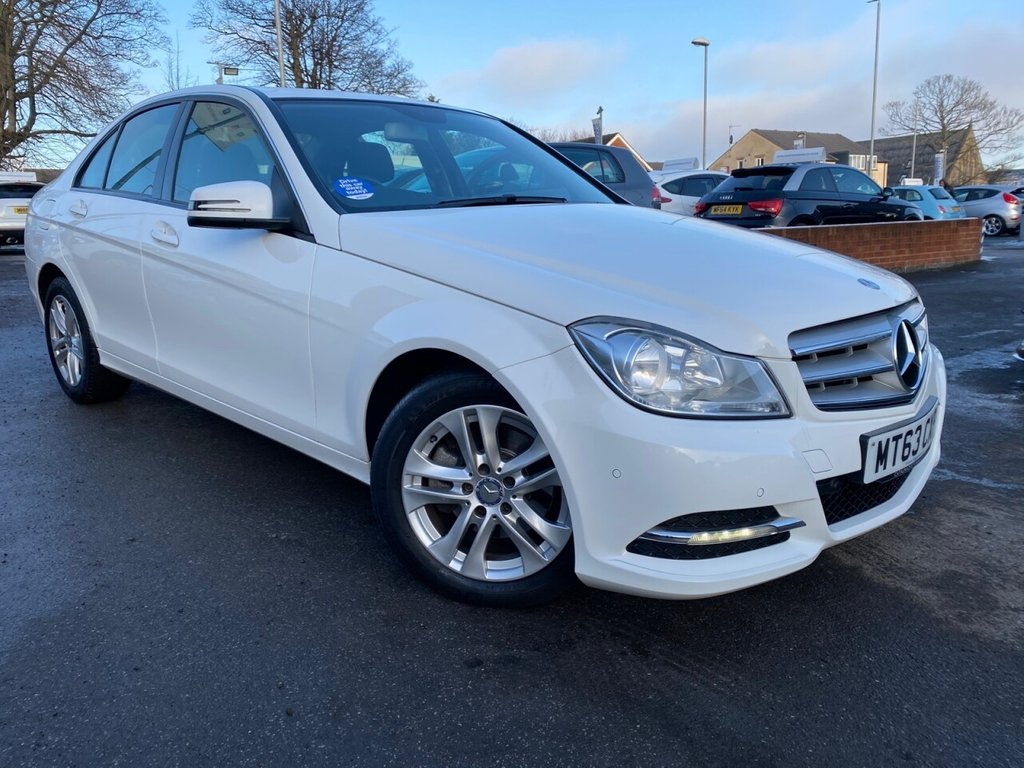 USED 2013 63 MERCEDES-BENZ C-CLASS 2.1 C220 CDI BLUEEFFICIENCY EXECUTIVE SE 4d 168 BHP
