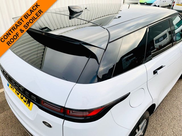 USED 2019 19 LAND ROVER RANGE ROVER EVOQUE 2.0 FIRST EDITION 5d 178 BHP PANORAMIC GLASS ROOF - DIGITAL DASH BOARD - HEATED STEERING WHEEL - HEAD UP DISPLAY - LARGE SCREEN SAT NAV - DIAMOND CUT ALLOY WHEELS - LOW MILEAGE - CONTRAST BLACK ROOF