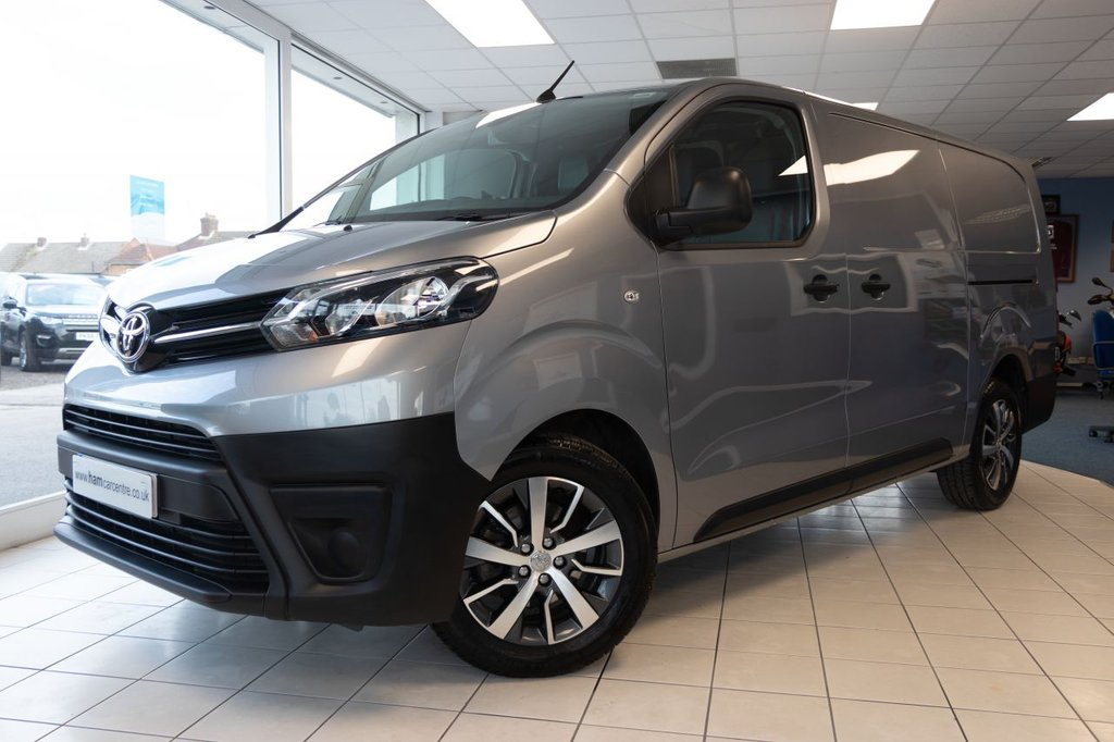 USED 2020 70 TOYOTA PROACE 2.0 L2 LWB ICON 118 BHP PREMIUM PACK AS NEW ONLY 1636 MILES