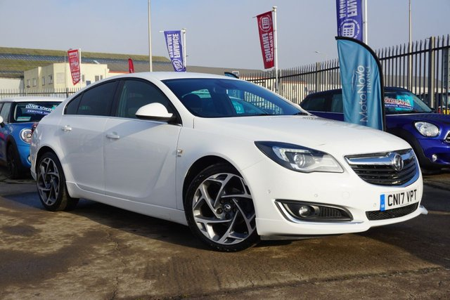 USED 2017 17 VAUXHALL INSIGNIA 2.0 SRI NAV VX-LINE CDTI ECOFLEX S/S 5d 167 BHP STUNNING LOW MILEAGE , FINSHED IN BRILLANT WHITE , CLICK AND DELIVER AVAILABLE