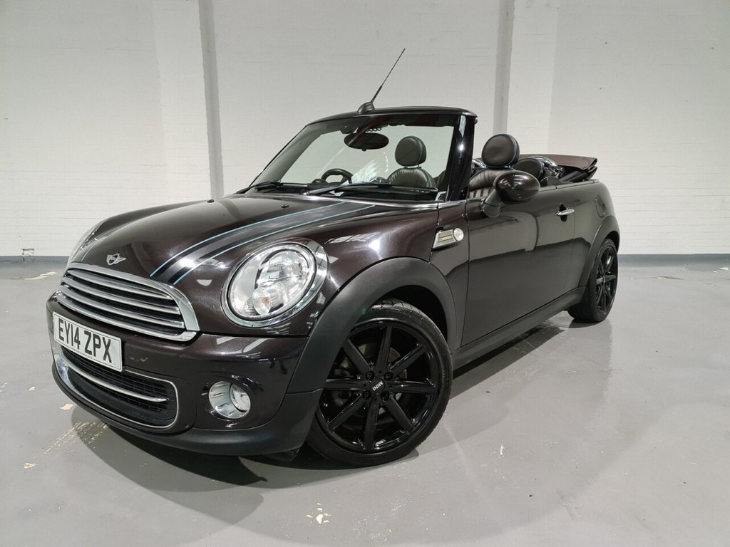 USED 2014 14 MINI CONVERTIBLE 1.6 COOPER HIGHGATE 2d 120 BHP Sat Nav, Full leather upholstery, Heated front seats, Bluetooth, Parking sensors, Electric folding roof, Headlight washers, Multifunction steering wheel, Cruse control