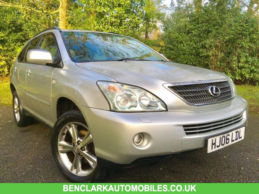USED 2006 06 LEXUS RX 3.3 400H SE CVT 5d AUTO 208 BHP //LONG MOT//NEW TYRES/PART EXCHANGE TO CLEAR////GREAT SERVICE HISTORY X13 STAMPS IN BOOK/// REAR PARKING CAMERA ''JUST IN AS A PART EXCHANGE ,SO IS PRICED TO CLEAR''NEW MOT///NEW FRONT TYRES\\ X13 SERVICE HISTORY STAMPS//CAMBELT AND WATERPUMP RENEWED @103,021 MILES//APRIL 2011