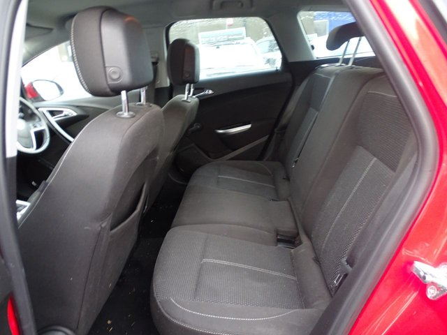 USED 2011 11 VAUXHALL ASTRA 1.7 SRI CDTI ECOFLEX 5d 108 BHP  1 YEAR MOT - £30 ROAD TAX