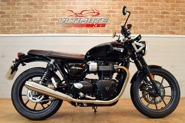 USED 2018 18 TRIUMPH BONNEVILLE STREET TWIN  - FREE NATIONWIDE DELIVERY