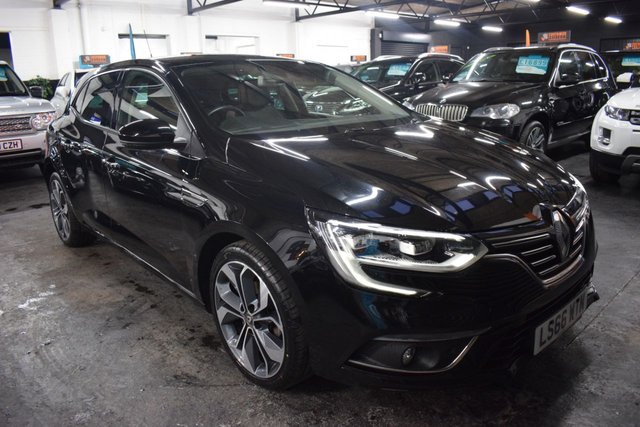 USED 2016 66 RENAULT MEGANE 1.5 SIGNATURE NAV DCI 5d 110 BHP STUNNING LOW MILEAGE EXAMPLE - TOP SPEC - ONE PREVIOUS KEEPER - S/H TO 11K - £0 ROAD TAX - FULL LEATHER - SAT NAV - REVERSE CAMERA