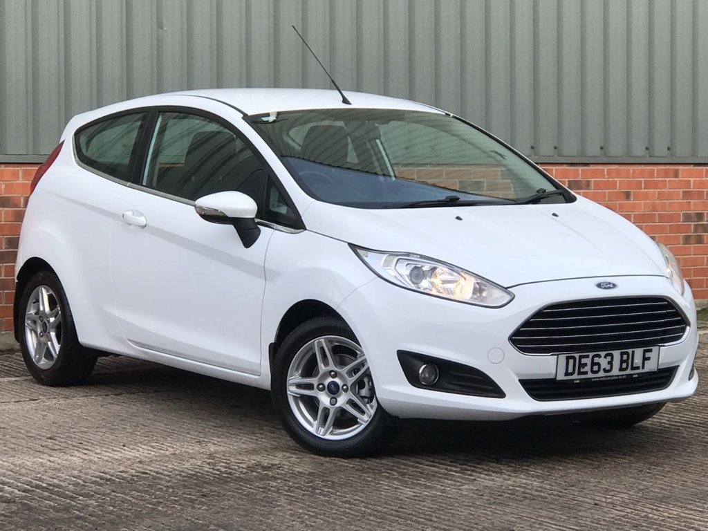 USED 2013 63 FORD FIESTA 1.2 ZETEC 3d 81 BHP EXCELLENT LOW MILEAGE EXAMPLE