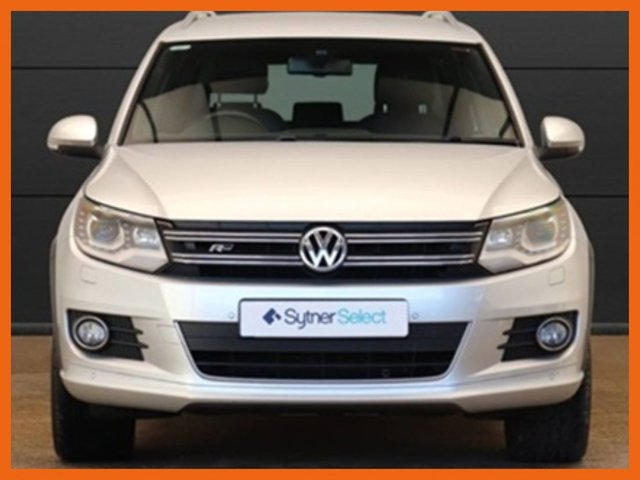 USED 2015 15 VOLKSWAGEN TIGUAN 2.0 R LINE TDI BLUEMOTION TECH 4MOTION DSG 5d 139 BHP FULL SERVICE HISTORY - ONLY 26,000 MILES - 1 OWNER FROM NEW - R LINE 4 MOTION WITH DSG - JUST 1 OWNER FROM NEW - SATELLITE NAVIGATION