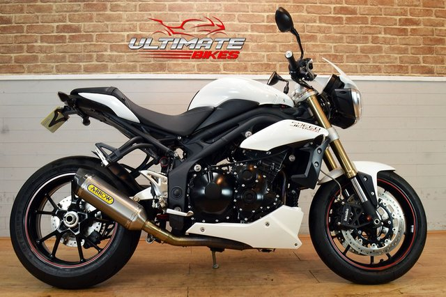 USED 2014 14 TRIUMPH SPEED TRIPLE 1050 ABS  - FREE NATIONWIDE DELIVERY