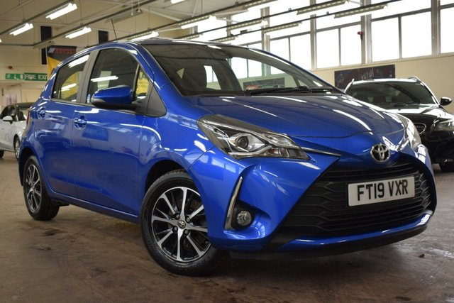 USED 2019 19 TOYOTA YARIS 1.5 VVT-I ICON TECH 5d 110 BHP + 1 OWNER  +  FULL DEALER SERVICE HISTORY +  MANUFACTURERS WARRANTY +