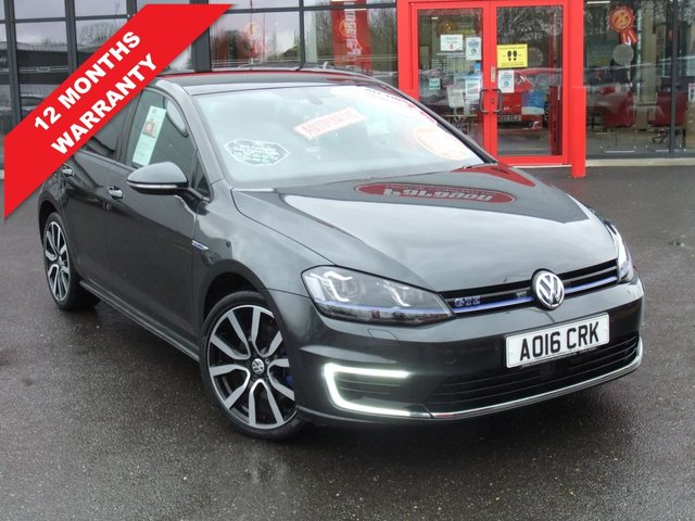 USED 2016 16 VOLKSWAGEN GOLF 1.4 GTE 5d 150 BHP Panoramic Roof