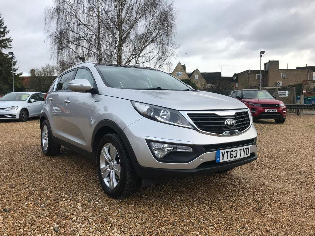 USED 2013 63 KIA SPORTAGE 2.0 CRDi KX-2 AWD 5dr Pan Roof and Part Leather