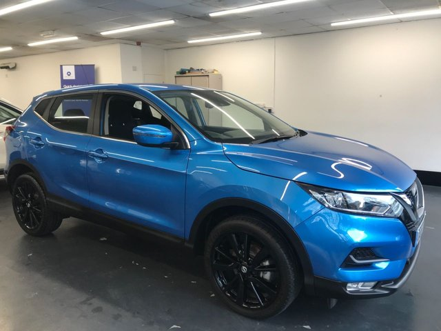 """USED 2017 67 NISSAN QASHQAI 1.2 ACENTA DIG-T 5d 113 BHP 1 OWNER FROM NEW WITH FULL SERVICE HISTORY, BLUETOOTH PHONE PREPARATION, 19"""" BLACK ALLOYS, PARKING SENSORS"""