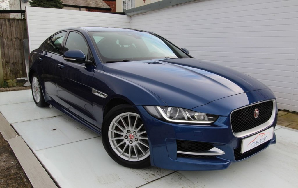 USED 2015 15 JAGUAR XE 2.0 R-SPORT 4d 161 BHP Full History - 2 Keys - Camera