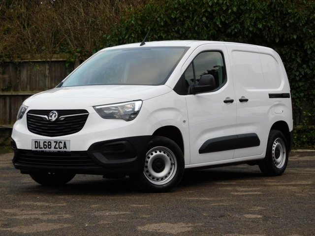 USED 2019 68 VAUXHALL COMBO 1.6 L1H1 2000 EDITION S/S 101 BHP 1-Owner+New Shape+Ply Lined