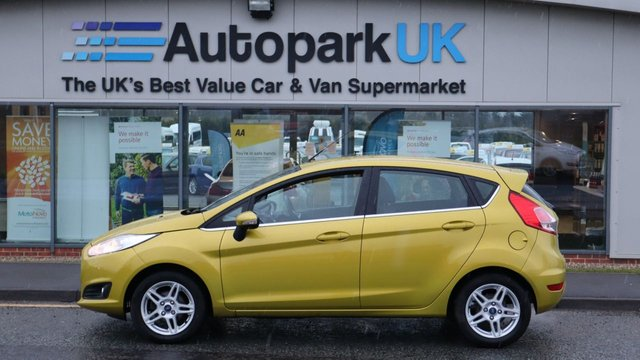 USED 2013 13 FORD FIESTA 1.0 ZETEC 5d 99 BHP . LOW DEPOSIT OR NO DEPOSIT FINANCE AVAILABLE . COMES USABILITY INSPECTED WITH 30 DAYS USABILITY WARRANTY + LOW COST 12 MONTHS ESSENTIALS WARRANTY AVAILABLE FROM ONLY £199 (VANS AND 4X4 £299) DETAILS ON REQUEST. ALWAYS DRIVING DOWN PRICES . BUY WITH CONFIDENCE . OVER 1000 GENUINE GREAT REVIEWS OVER ALL PLATFORMS FROM GOOD HONEST CUSTOMERS YOU CAN TRUST .