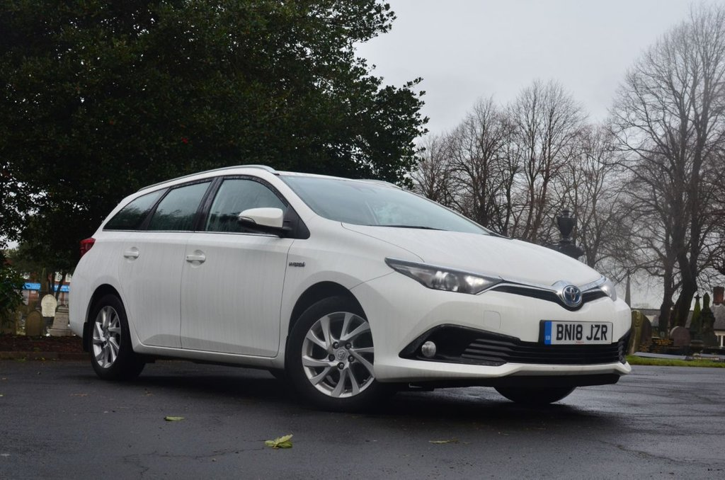 USED 2018 18 TOYOTA AURIS 1.8 VVTI BUSINESS EDITION TOURING SPORTS TSS 5d 99 BHP