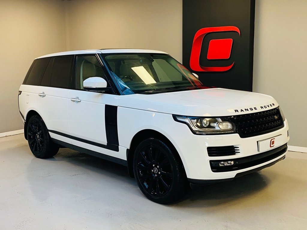 USED 2013 62 LAND ROVER RANGE ROVER 4.4 SDV8 AUTOBIOGRAPHY 5d 339 BHP PAN ROOF + REAR TV'S + IVORY + BLACK PACK + LOW MILES