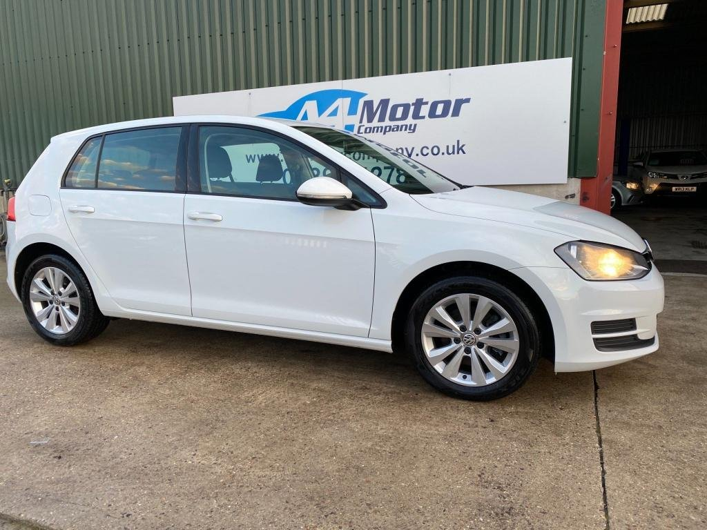 USED 2014 14 VOLKSWAGEN GOLF 2.0 TDI SE DSG (s/s) 5dr AUTOMATIC  WHITE,LOW TAX GROUP