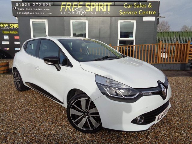 USED 2014 14 RENAULT CLIO 0.9 TCe Dynamique S MediaNav (s/s) 5dr Full Renault History, 2 Owners