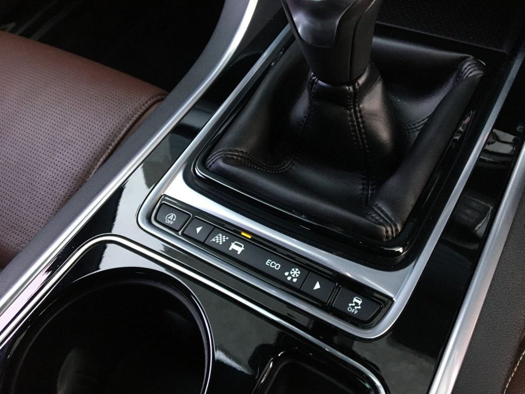 USED 2019 19 JAGUAR XF 2.0 D R-SPORT 4d 177 BHP
