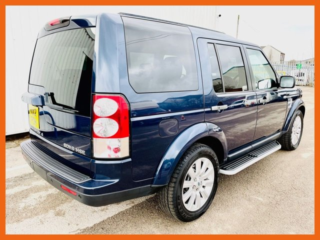 USED 2012 12 LAND ROVER DISCOVERY 3.0 4 SDV6 HSE 5d 255 BHP REAR DVD HEADREST SCREENS - FULL HISTORY - 12 MONTH MOT - TIMED PARK CLIMATE - HEATED FRONT & REAR SEATS - TRIPLE SUNROOF - HARMAN / KARDON SPEAKERS - IPOD CONNECTIVITY - FULL COLOUR REVERSE CAMERA + PARK SENSORS FRONT & REAR - 6 MONTH WARRANTY