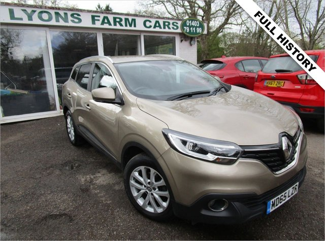 USED 2015 65 RENAULT KADJAR 1.2 DYNAMIQUE NAV TCE 5d 130 BHP Full Service History (Renault + ourselves), One Previous Owner, MOT until January 2022, Great fuel economy!