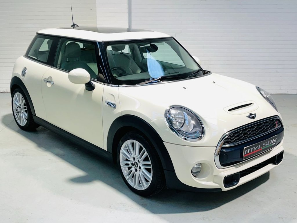 USED 2014 14 MINI HATCH COOPER 2.0 COOPER S 3d 189 BHP Glass Panoramic Roof, Heated Lounge Leather Interior