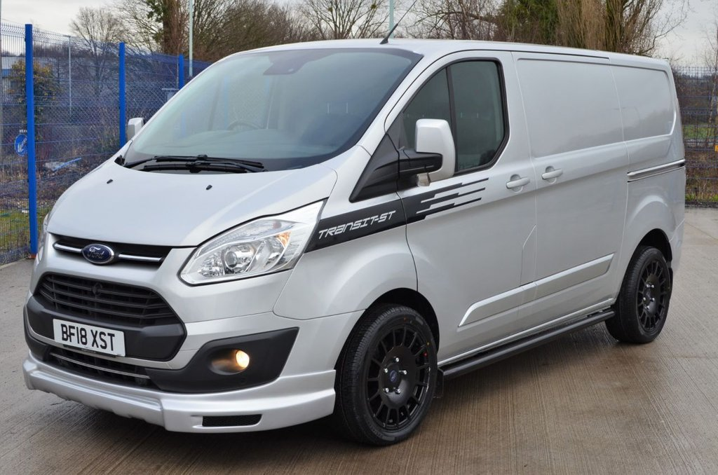 USED 2018 18 FORD TRANSIT CUSTOM LIMITED 2.0 TDCI 130BHP SPORT-ST KIT 270 A/C PARKING SENS 6 SPEED L1 SWB FSH / ONE OWNER / IMMACULATE / SPORT ST / ALLOYS / AIRCON