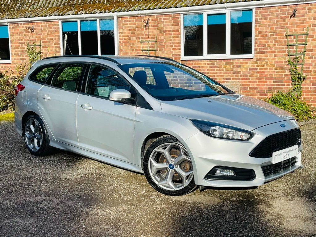 USED 2016 16 FORD FOCUS 2.0 TDCI 185 ST-1 5dr Estate