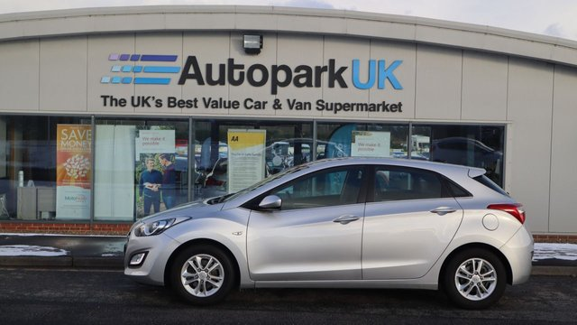 USED 2016 66 HYUNDAI I30 1.6 CRDI SE BLUE DRIVE 5d 109 BHP . LOW DEPOSIT OR NO DEPOSIT FINANCE AVAILABLE . COMES USABILITY INSPECTED WITH 30 DAYS USABILITY WARRANTY + LOW COST 12 MONTHS ESSENTIALS WARRANTY AVAILABLE FROM ONLY £199 (VANS AND 4X4 £299) DETAILS ON REQUEST. ALWAYS DRIVING DOWN PRICES . BUY WITH CONFIDENCE . OVER 1000 GENUINE GREAT REVIEWS OVER ALL PLATFORMS FROM GOOD HONEST CUSTOMERS YOU CAN TRUST .