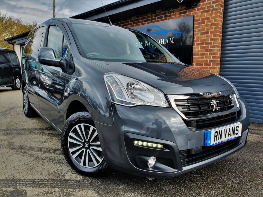 USED 2015 65 PEUGEOT PARTNER 1.6 TEPEE ACTIVE 5DR 98 BHP *** A/C - WHEELCHAIR RAMP ***