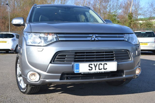 USED 2015 15 MITSUBISHI OUTLANDER 2.0 PHEV GX 4H 5d 162 BHP ~ SAT NAV ~ HEATED LEATHER  VAT QUALIFYING ~ SAT NAV ~ HEATED LEATHER ~ REVERSE CAM