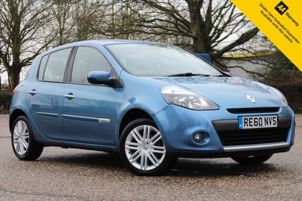 USED 2010 60 RENAULT CLIO 1.6 INITIALE TOMTOM VVT 5d 111 BHP ** STUNNING LOW MILEAGE PETROL AUTOMATIC ** BRAND NEW ADVISORY FREE MOT ** CAM BELT REPLACED 2019 ** SAT NAV ** REAR PARKING AID ** CLIMATE CONTROL ** LEATHER INTERIOR ** BLUETOOTH ** ULEZ CHARGE EXEMPT ** CLICK & COLLECT + NATIONWIDE DELIVERY AVAILABLE ** BUY ONLINE IN CONFIDENCE FROM A MULTI AWARD WINNING 5* RATED DEALER **