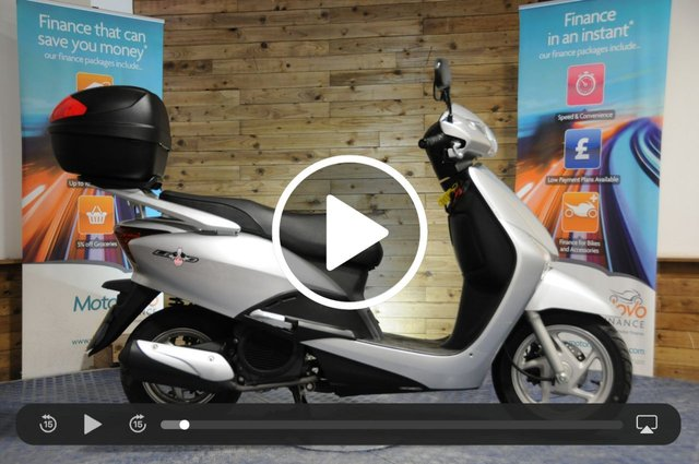 USED 2011 11 HONDA LEAD NHX 110 WH-A - Low miles